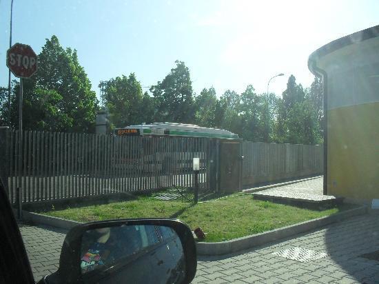Hotel Alveri : L'autobus n.32 per andare alla stazione e prendere il 2 per venezia