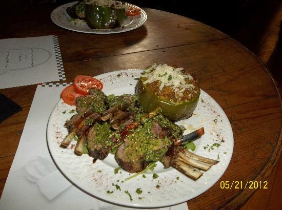 ‪‪Cooper's Landing Inn‬: Mint Basil Pesto Lamb Chops & Stuffed Pepper we cooked in Class‬