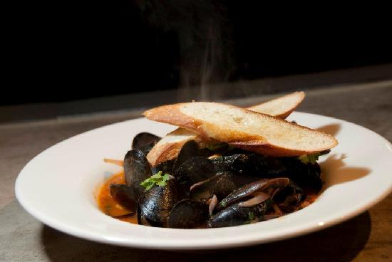 Fineline Bistro: Chipotle Mussels