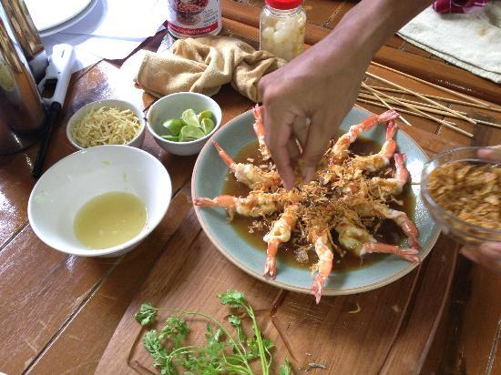 Ruen Come In : cooking class- prawn with tamarind sauce