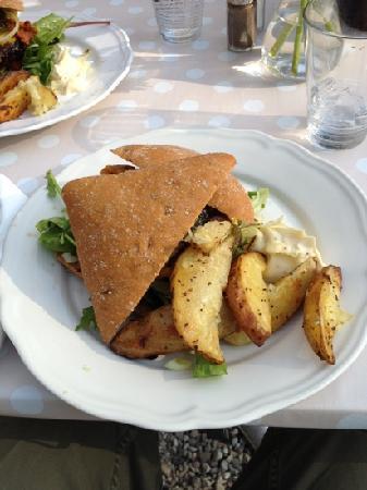 Cafe Sommerhuset : burger