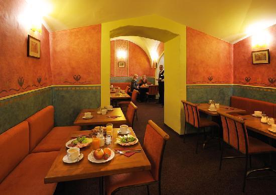 The charles hotel prag tjeckien omd men och for Domus balthasar design hotel tripadvisor