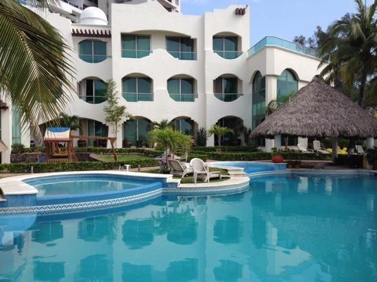 Boca del Rio, Mexico: Pool and Hotel