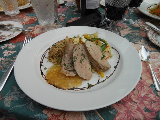 Sourwood Inn : Saturday night perfect pork tenderloin/ dining al fresco