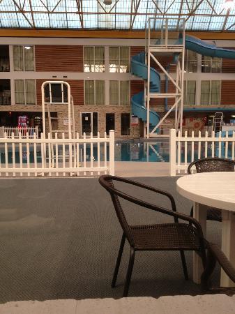 Victoria Inn Hotel & Convention Centre: pool view