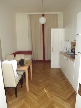 Belvedere Appartements: La cuisine