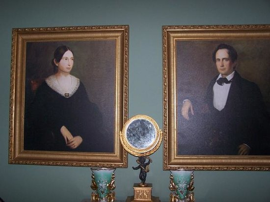 Bocage Plantation: The original owners' family portraits