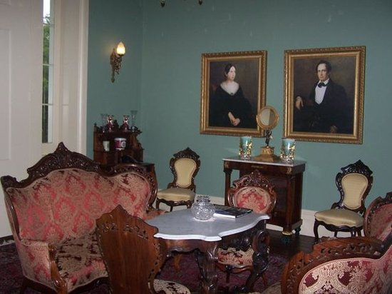 Bocage Plantation: Setting area upstairs Christopher Colomb and his wife, Fanny Briingier, house was her wedding gi
