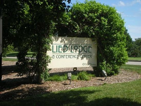 Lied Lodge & Conference Center: Outside