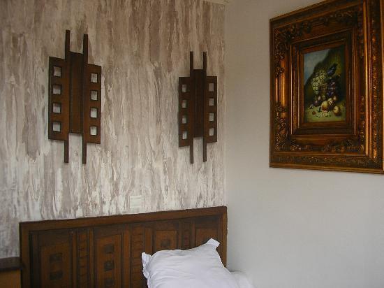 Hotel Camelia Nation: la poudre aux yeux... qui ne va même pas ensemble...