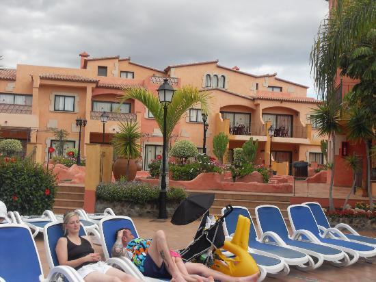 Villa Mandi Golf Resort: rooms by crazy golf area