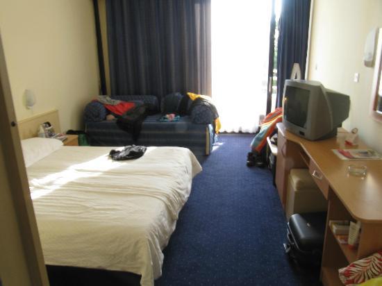 Hotel Sol Sipar: Our room