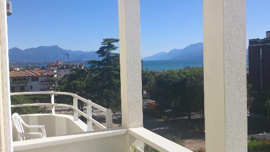 Hotel Benaco : View from the balcony towards Garda lake, pool side