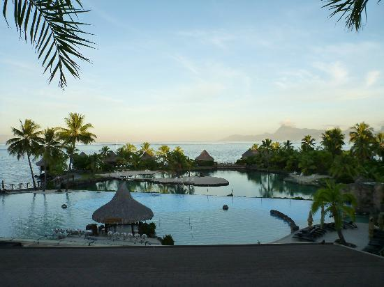 InterContinental Tahiti Resort & Spa: Pool grounds w/Moorea in the background