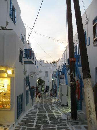 Hotel Marianna: Mykonos Town typical street