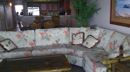 Crescent Keyes: living room