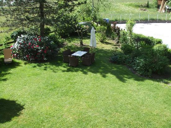 Hotel Garni Glockenstuhl: View of the garden