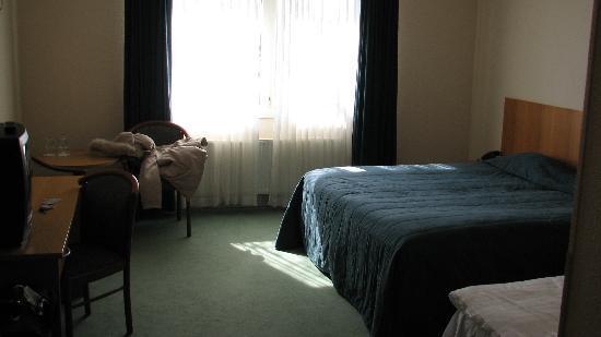 Hotel Hvolsvollur: Large, basic room