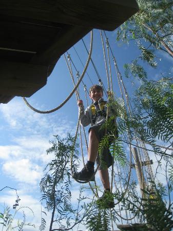 Holiday Village Algarve Balaia: Rope assault course