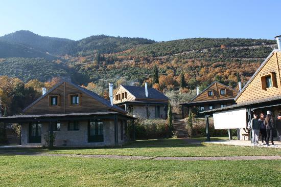 Milias Camps Village: θέα από την είσοδο