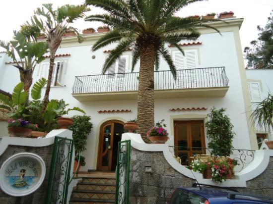 Hotel Villa Sirena: Hotel Front