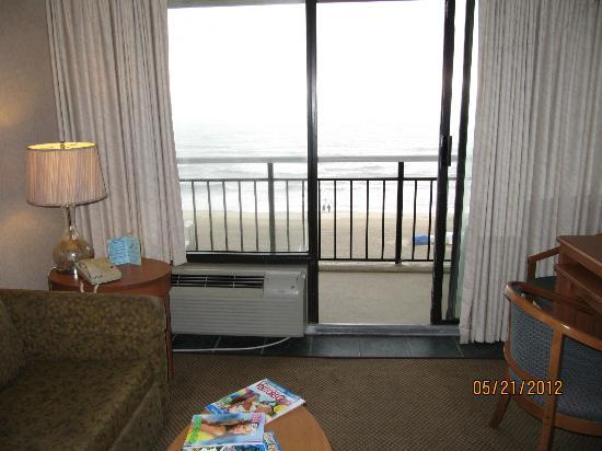 Four Sails Resort : View of the ocean from the living room