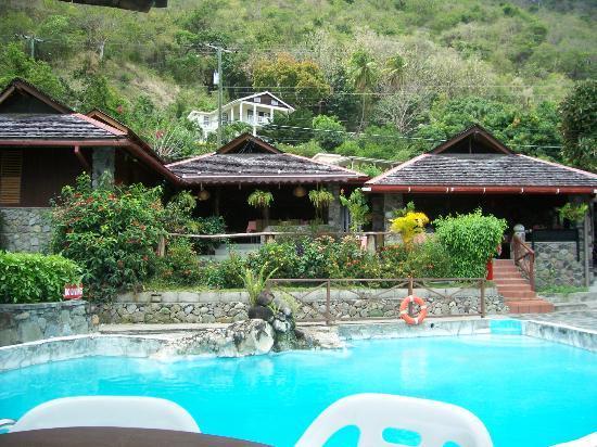 Hummingbird Beach Resort : The hotel from the pool area
