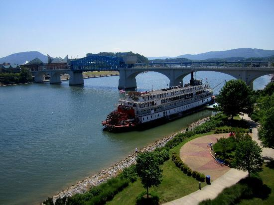 Tennessee Riverpark: The riverboat