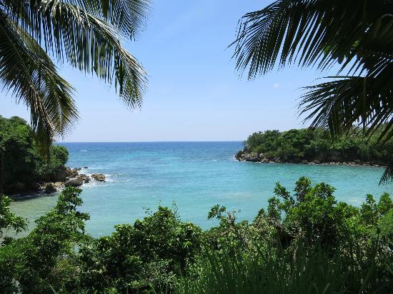 vue de l 39 h tel cyvadier jacmel ha ti picture of hotel. Black Bedroom Furniture Sets. Home Design Ideas
