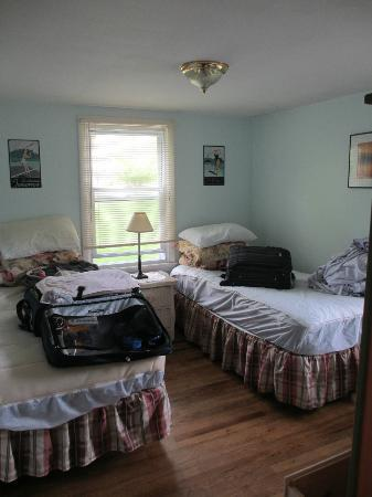 Bowen's by the Bays: Bedroom 2 (as we were packing to leave)