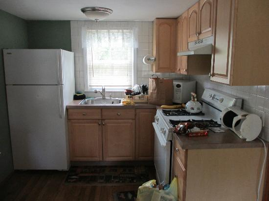 Hampton Bays, NY: Kitchen area