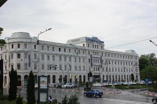 Continental Forum Sibiu : Front of hotel