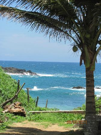 Hotel Posada Arigalan: The walk down to the beach