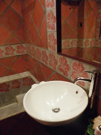 فول مون بيتش: Bathroom