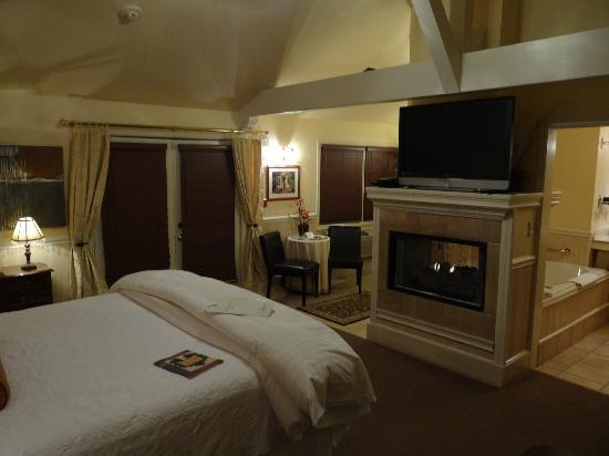 1801 First Luxury Inn: The Carriage house