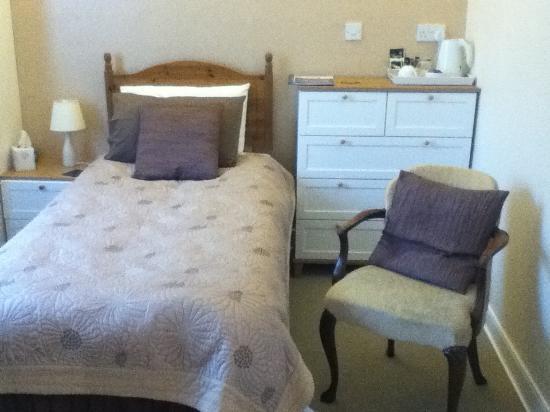 Canterbury House: Single room