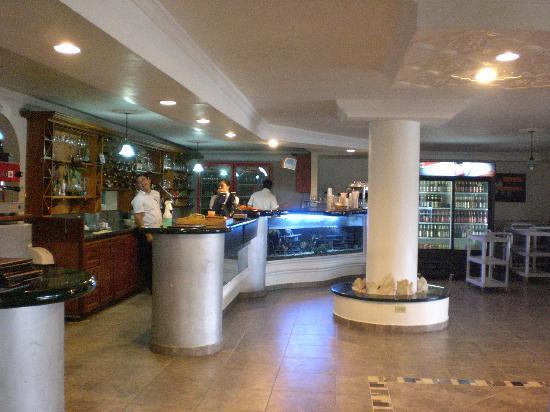 Hotel Los Recuerdos: Recepción