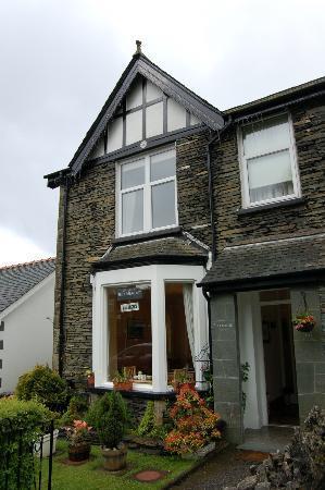Ellerdene Guest House: Front of Guest House