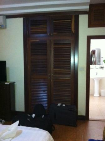 Aqua Boutique Guesthouse: Big wardrobe