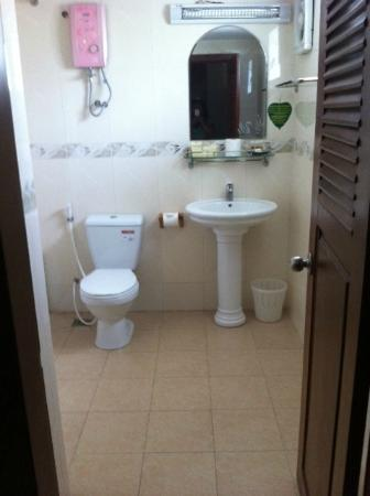 Aqua Boutique Guesthouse: Nice and clean bathroom