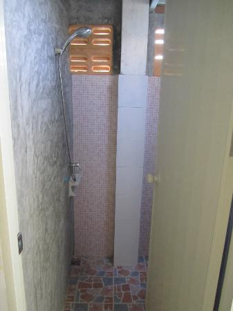 Khun Ying House: Ensuite Shower