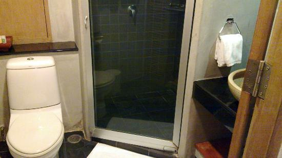 Bangkok Boutique Hotel: bathroom