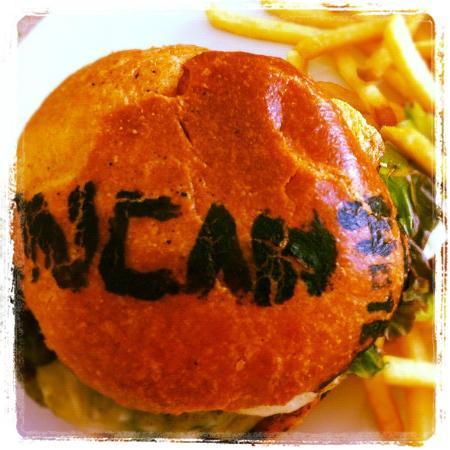 Hotel Encanto: EL ENCANTO Burger (copyright!!!)
