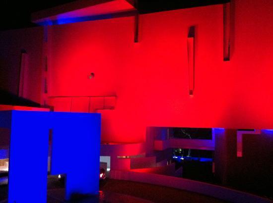 Hotel Encanto: Night views