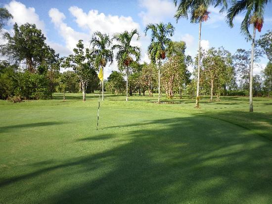 Port Douglas Golf Tours : 10th at Mossman