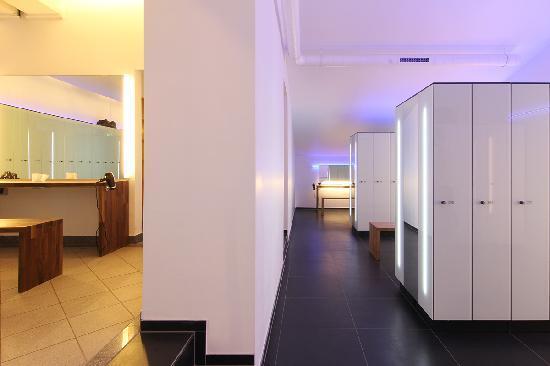SportScheck Hotel: Neue Umkleiden Relax- Fitnessbereich