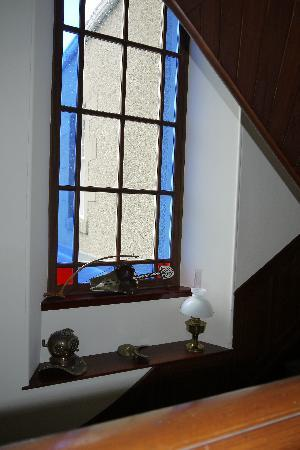 West Hall B&B and Cottage Self Catering: Stair window