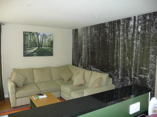 Elveden, UK: Our lovely forest lodge lounge area.