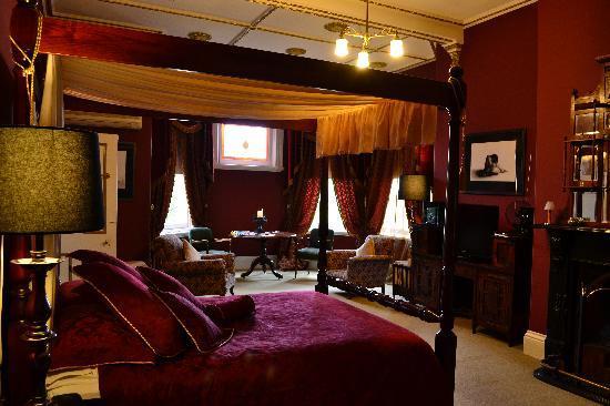 Bishopscourt Bed and Breakfast: Balfour Room @ Bishopscourt