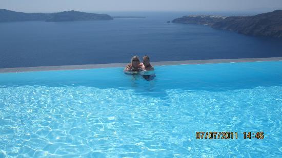 Anastasis Apartments: Pool